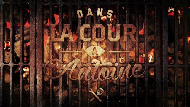 Dans la cour à Antoine